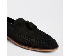 Wide mouth black leather fringe front loafer